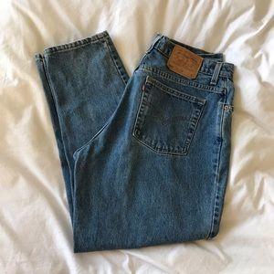 Vintage Vibe PLUS Levi's 505 90's Mom Jeans